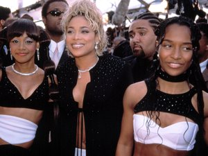 TLC: Rozonda 'Chili' Thomas, Tionne 'T Boz' Watkins, and Lisa 'Left Eye' Lopes at the Grammy Awards, Los Angeles - 2002