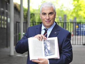 Mitch Winehouse with his book 'Amy, My Daughter'