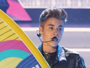 Justin Bieber takes the Choice Male Artist award for the third consecutive year