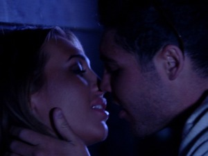 Lauren Goodger and Tom Pearce kiss in The Only Way Is Essex, S06, E02