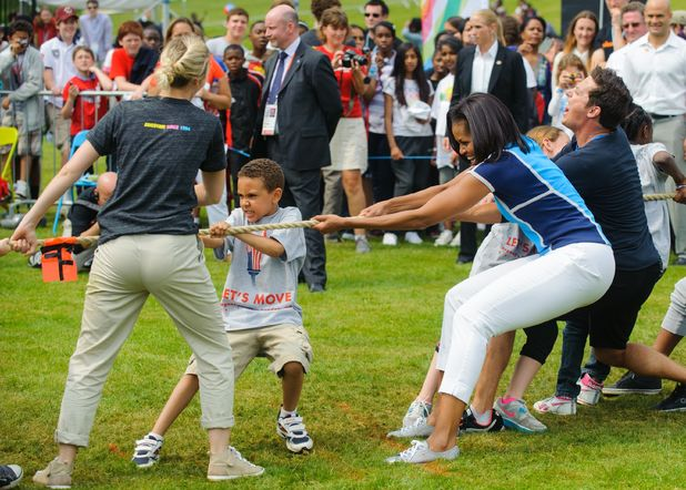 Michelle Obama joins tug-of-war competition