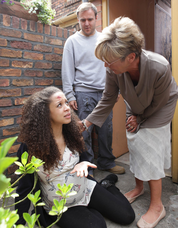 Deirdre is shocked when she sees Kirsty in an injured state