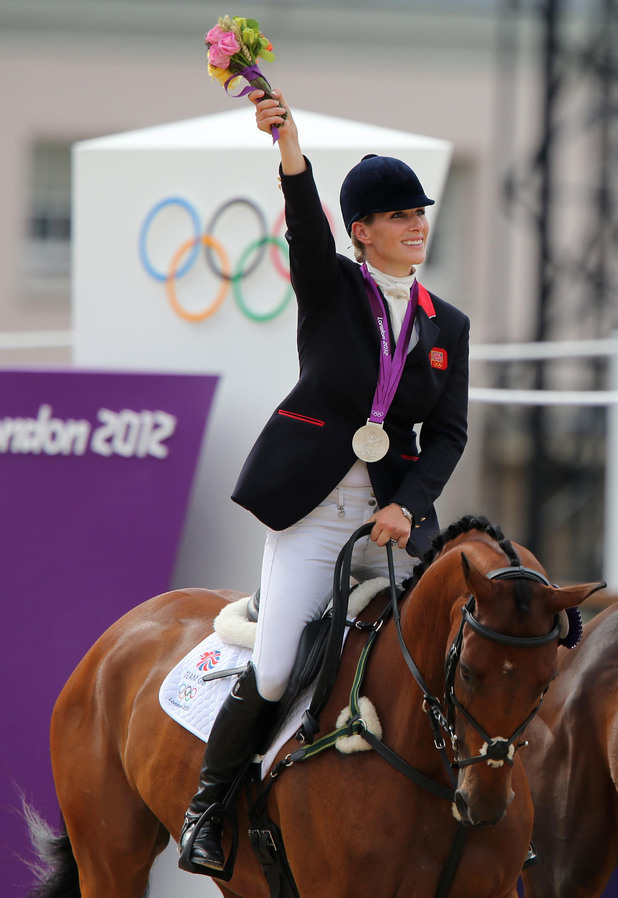 http://i1.cdnds.net/12/31/618x898/showbiz_olympics_zara_phillips_1.jpg