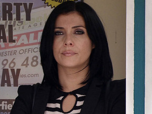 Michelle is furious when she spots Tracy and Ryan chatting and getting on well together