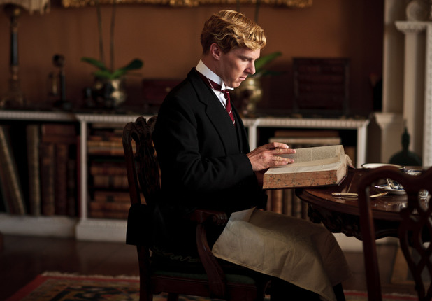 Parades End S01E01: Christopher
