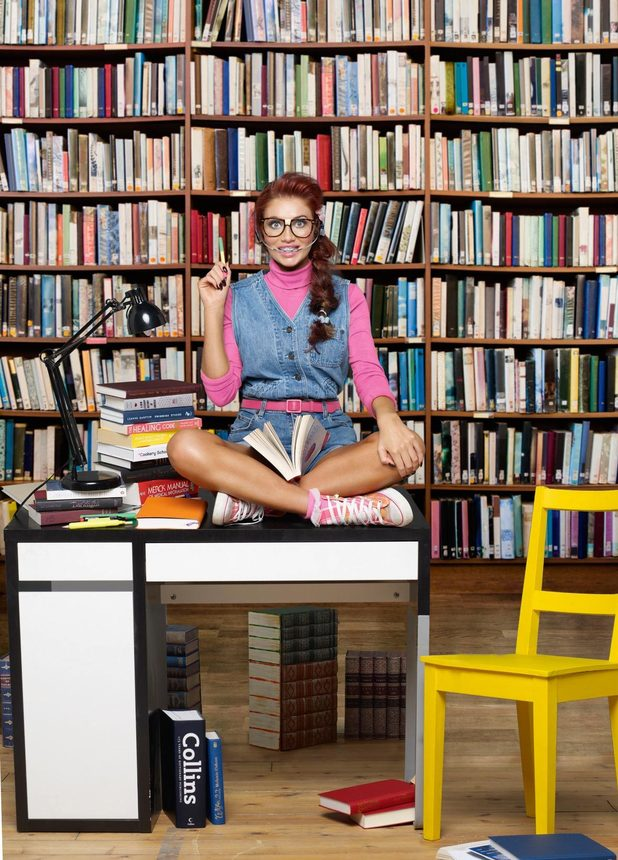"Amy Childs dresses as a ""nerd"" for Now"