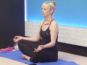 Celebrity Big Brother 2012 - Day 2: Samantha meditating