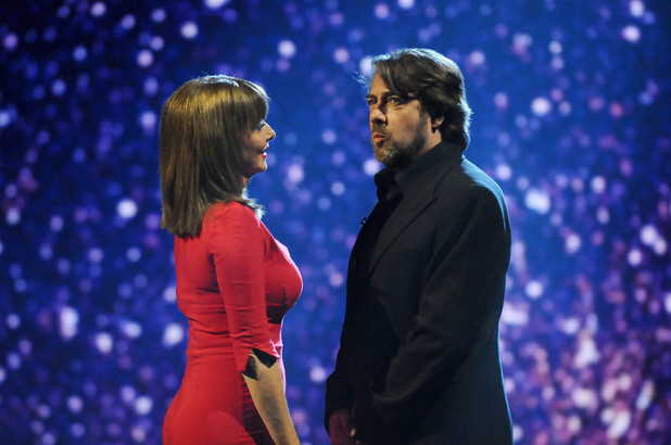 Carol Vorderman (Red) and Jonathan Ross (Black)