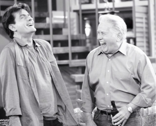 Charlie Sheen posts an image of his father Martin Sheen's appearance on 'Anger Management'
