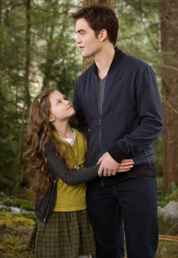 Robert Pattinson Mackenzie Foy