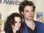 Kristen Stewart's mum is helping her daughter reconnect with Robert Pattinson.