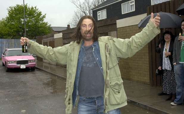Frank Gallagher (David Threlfall) on the set of 'Shameless'