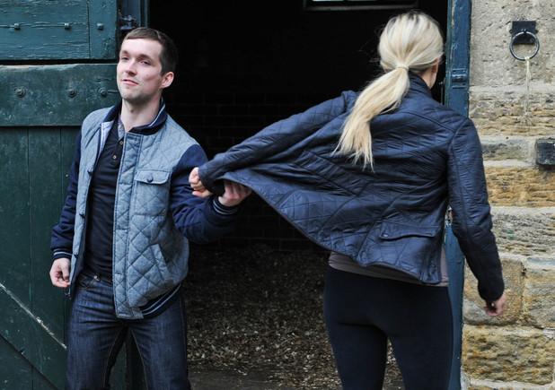 Katie sets Robbie up