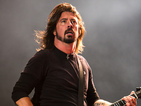 Foo Fighters play surprise gig at pizza restaurant - video