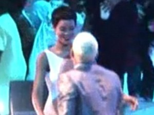 Rihanna and Chris Brown Embrace at the MTV VMA awards.