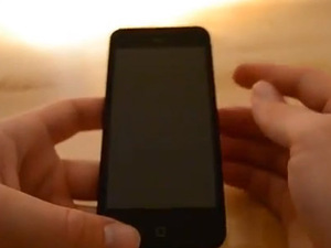 Apple iPhone 5 prototype 'shown in hands-on video'