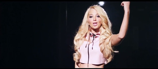 Tulisa in alternative 'Live It Up' music video.