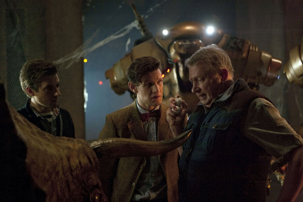 Doctor Who S07E02: 'Dinosaurs on a Spaceship' - Rory Williams (Arthur Darvill), The Doctor (Matt Smith) and Brian Williams (Mark Williams)