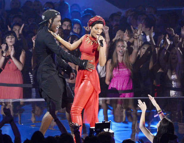 Rihanna performs at the MTV Video Music Awards 2012