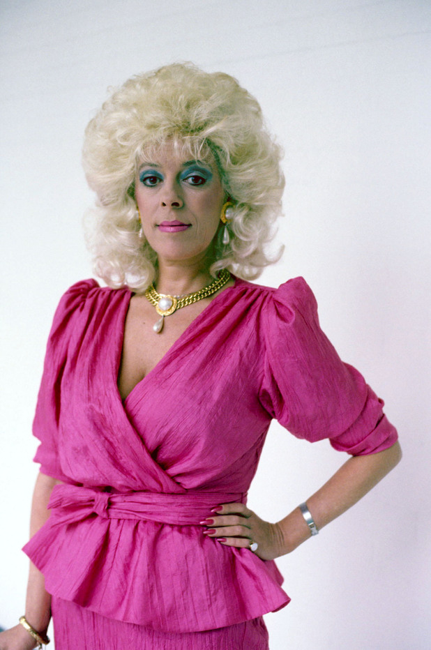 Julie Goodyear Net Worth