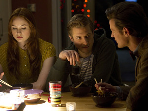 Doctor Who S07E04 - &#39;The Power of Three&#39;: Amy Pond (KAREN GILLAN), Rory Williams (ARTHUR DARVILL), The Doctor (MATT SMITH)