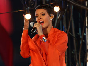 Miss Mode: Rihanna Orange closing