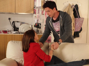 Ryan is desperate to hide Tracy before Michelle returns home, but Tracy makes it obvious that she wants to get caught