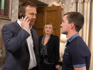 6352: Nicola admits to Declan and Robbie that she lied about the money.