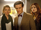 Doctor Who S07E04 - &#39;The Power of Three&#39;: Kate Stewart (JEMMA REDGRAVE), The Doctor (MATT SMITH), Amy Pond (KAREN GILLAN)