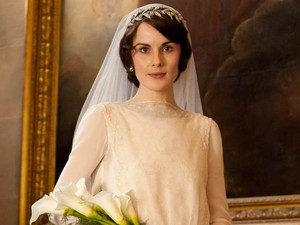 Mary gets ready to marry in Downton Abbey