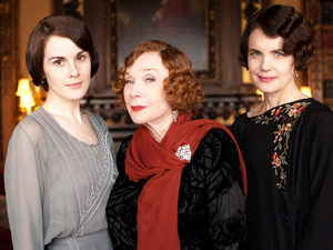 Downton Abbey S03E02: Michelle Dockery as Lady Mary, Shirley MacLaine as Martha Levinson, Elizabeth McGovern as Countess of Grantham, Cora
