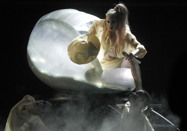 Lady GaGa, Grammy Awards 2011