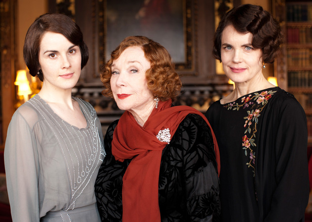Michelle Dockery as Lady Mary, Shirley MacLaine as Martha Levinson, Elizabeth McGovern as Countess of Grantham, Cora