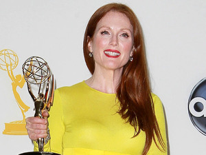 Julianne Moore with her Lead Actress In A TV Miniseries Or Movie award