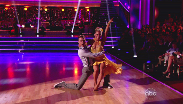 Dancing With The Stars S15E01: Derek Hough and Shawn Johnson