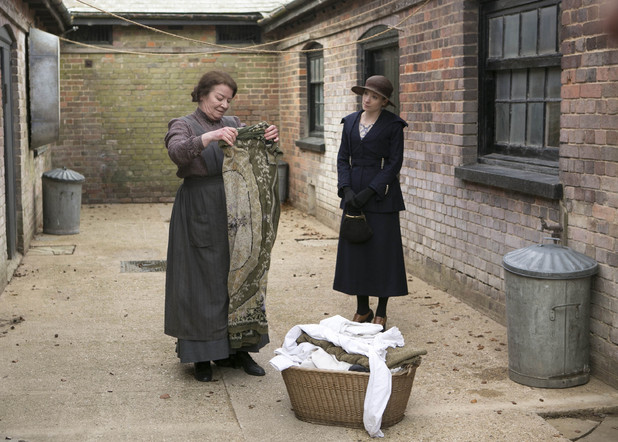 Downton Abbey S03E03: Clare Higgins as Mrs Bartlett, Joanne Froggatt as Anna