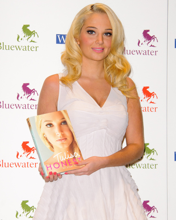 Tulisa Contostavlos signs copies of her autobiography 'Honest - My story so far' at WHSmith's, Bluewater shopping centre Kent, England - 26.09.12