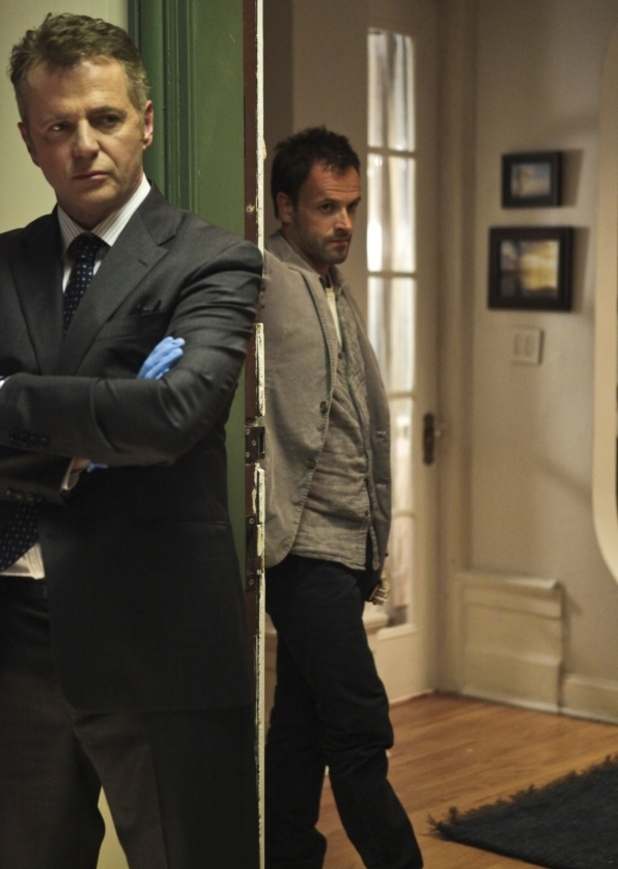 USTV series 'Elementary' debut (27/09/2012) starring Jonny Lee Miller as Sherlock Holmes