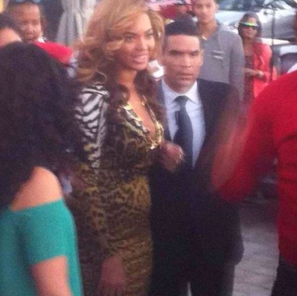 Beyonce with supposed pregnancy bump
