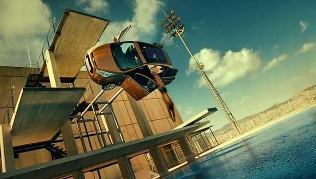 Ford B-MAX, Skyfall, stuntman