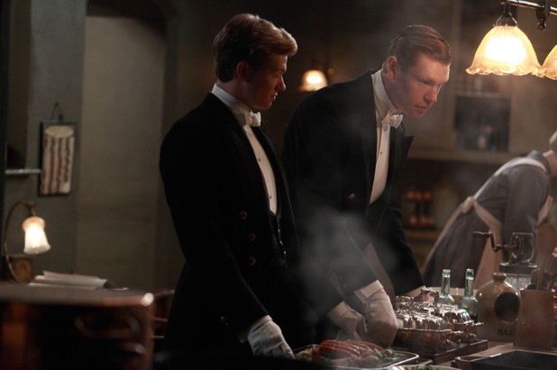 Downton Abbey S03E04: Ed Speleers as Jimmy Kent and Matt Milne as Alfred Nugent