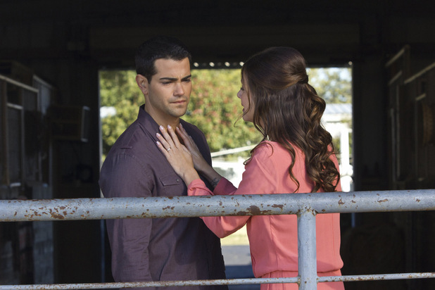Jesse Metcalfe as Christopher Ewing and Julie Gonzalo as Rebecca Sutter