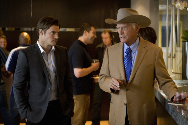 Dallas S01E05 - &#39;Truth or consequences&#39;: Josh Henderson as John Ross Ewing and Larry Hagman as J.R. Ewing
