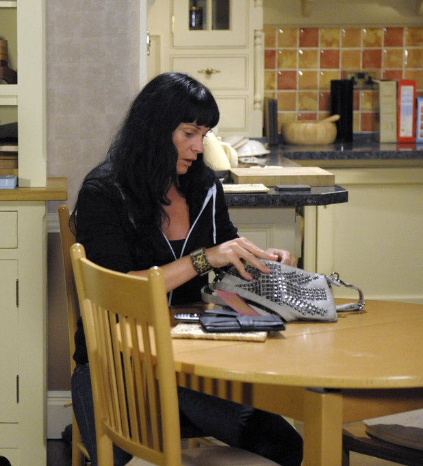 Chas Dingle schemes in Emmerdale