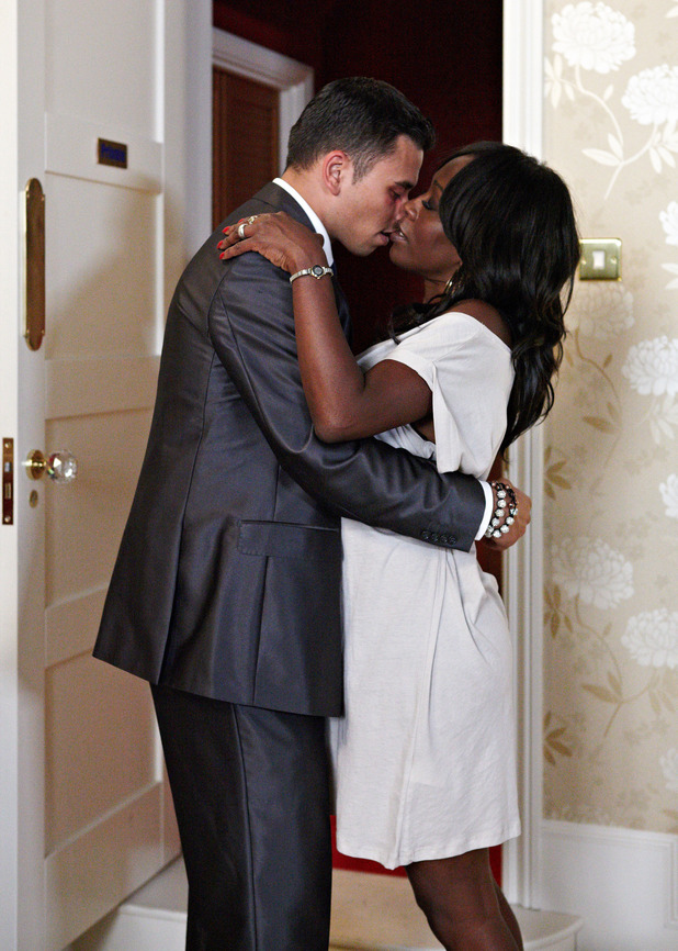 Fatboy Chubb and Denise Fox kiss in EastEnders