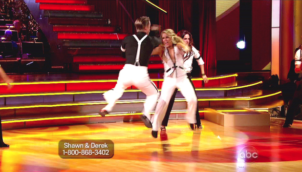 Dancing With The Stars S15E05: Derek Hough and Shawn Johnson