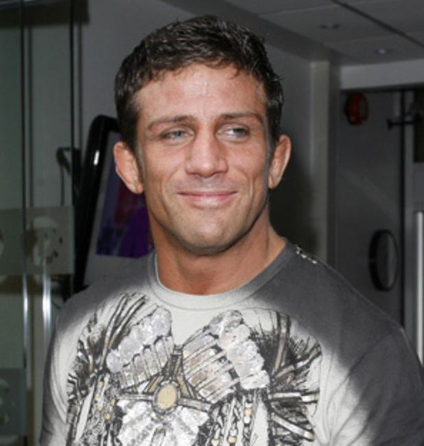 Alex Reid issues statement about public dumping
