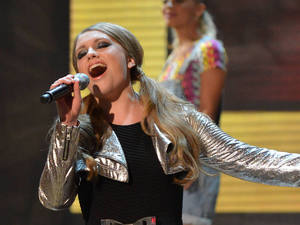 miss mode: ella henderson live shows 2