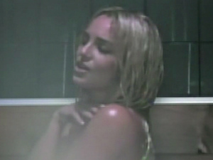 BRITNEY SPEARS&#39; WOMANIZER video premiered on U.S. news show 20/20 on Friday night