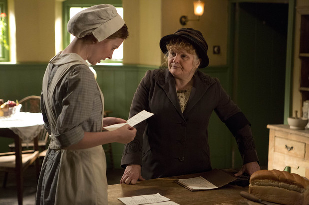 Downton Abbey S03E06: Amy Nuttall as Ethel Parks and Lesley Nicol as Mrs Patmore